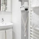 Helle freundliche Badezimmer im Hotel Imperial Köln