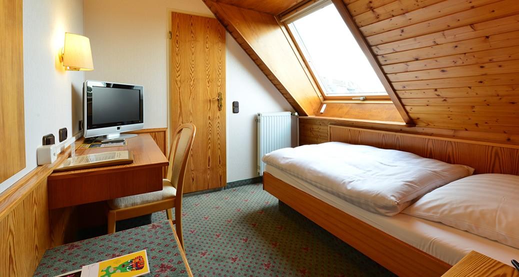 """Hotelzimmer """"Einzelzimmer Economy"""" im Hotel Imperial in Köln"""