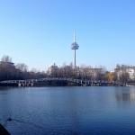 Kölner Mediapark-See an der Erftstraße mit Blick auf den Fernsehturm